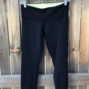 Lululemon crop leggings, reversible: Size 6